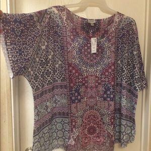 NWT AVENUE short sleeve blouse